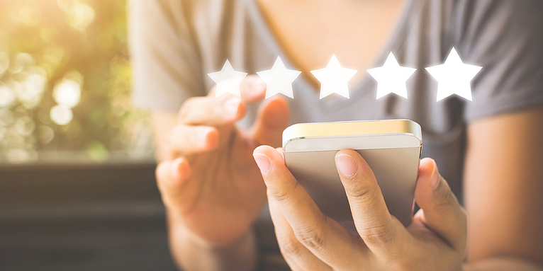 How Great Small Businesses Can Market Better Using Customer Reviews }}